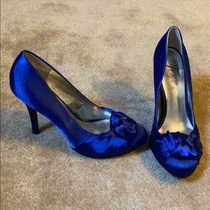 EUC Fergie blue satin heels!
